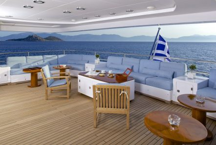 o_ceanos superyacht charter aft lounge_valef -  Valef Yachts Chartering - 5558