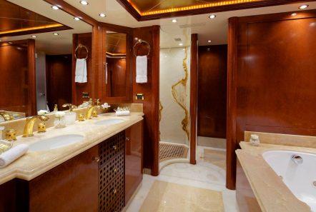 o_ceanos superyacht charter bath (1)_valef -  Valef Yachts Chartering - 5557