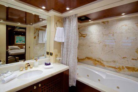 o_ceanos superyacht charter bath (2)_valef -  Valef Yachts Chartering - 5556