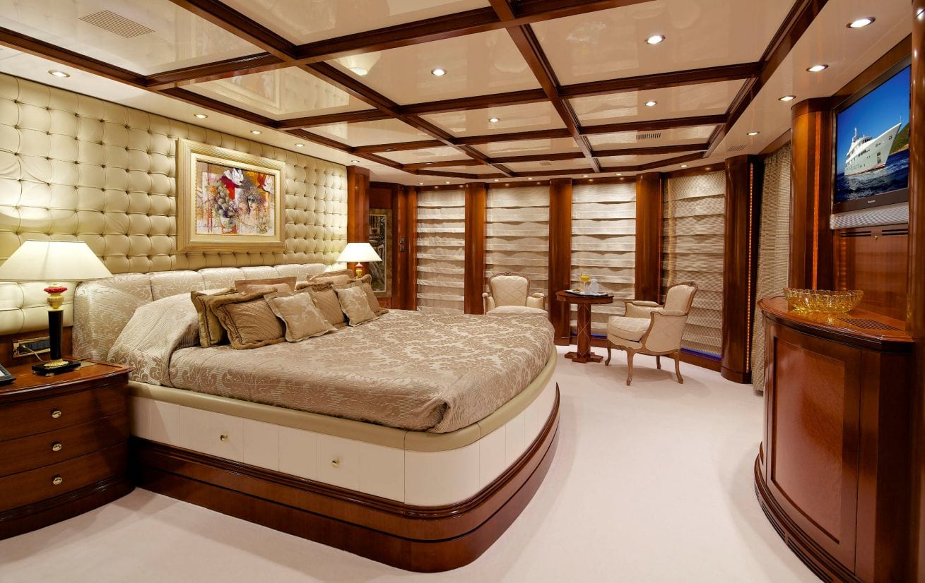 o_ceanos superyacht charter master stateroom_valef -  Valef Yachts Chartering - 5544