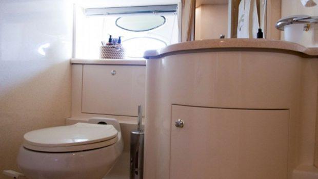 aventura ii baths (2)_valef -  Valef Yachts Chartering - 5615