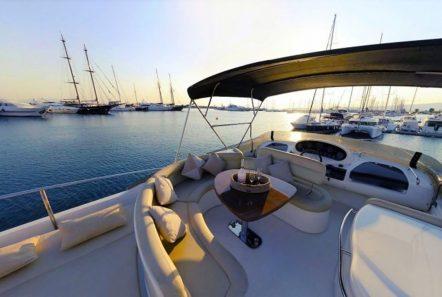 aventura ii sundeck (2)_valef -  Valef Yachts Chartering - 5588