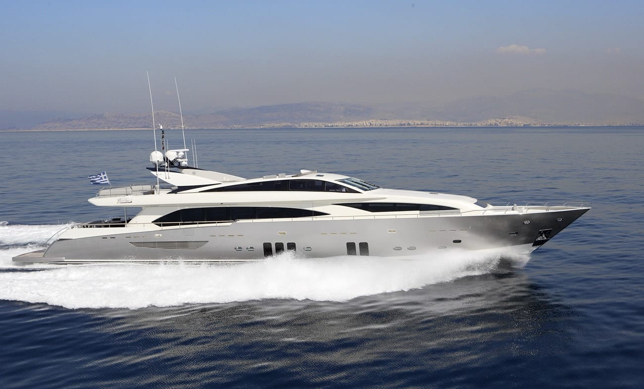 dragon motor yacht exteriors 3 min min -  Valef Yachts Chartering - 4824