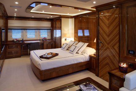 dragon motor yacht master stateroom min min -  Valef Yachts Chartering - 4822