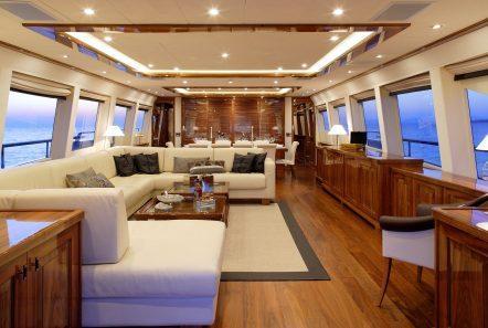 dragon motor yacht salon min min -  Valef Yachts Chartering - 4820