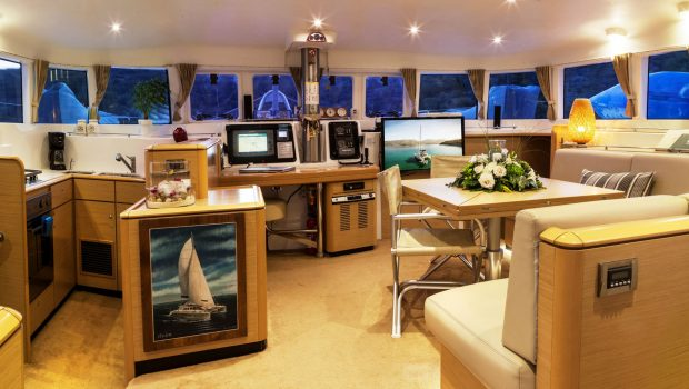 elvira catamaran lagoon 500 salon (1)_valef -  Valef Yachts Chartering - 5565
