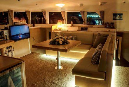 elvira catamaran lagoon 500 salon (2)_valef -  Valef Yachts Chartering - 5564