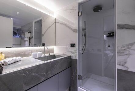 project-steel-motor-yacht-baths (1)-min
