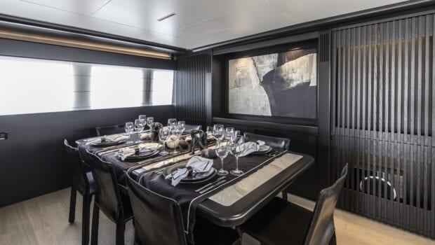 project-steel-motor-yacht-dining (1)-min
