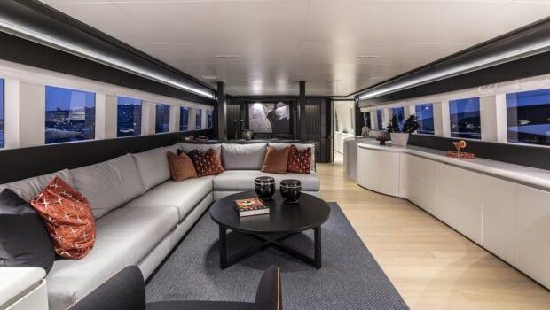 project-steel-motor-yacht-salon-eve-min
