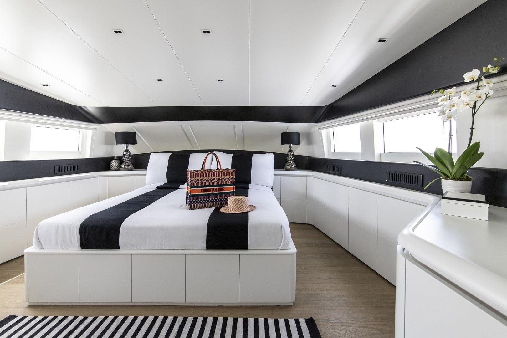 project-steel-motor-yacht-vip-suite (2)-min