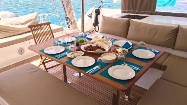 tiziano saba 50 catamaran aft dining -  Valef Yachts Chartering - 2778