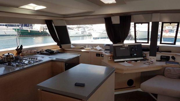 tiziano saba 50 catamaran salon (2) -  Valef Yachts Chartering - 2751