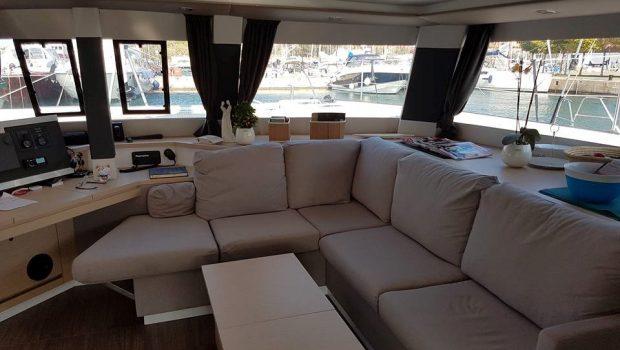 tiziano saba 50 catamaran salon (3) -  Valef Yachts Chartering - 2750