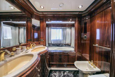 jaan VIP stateroom (1)_valef -  Valef Yachts Chartering - 5701
