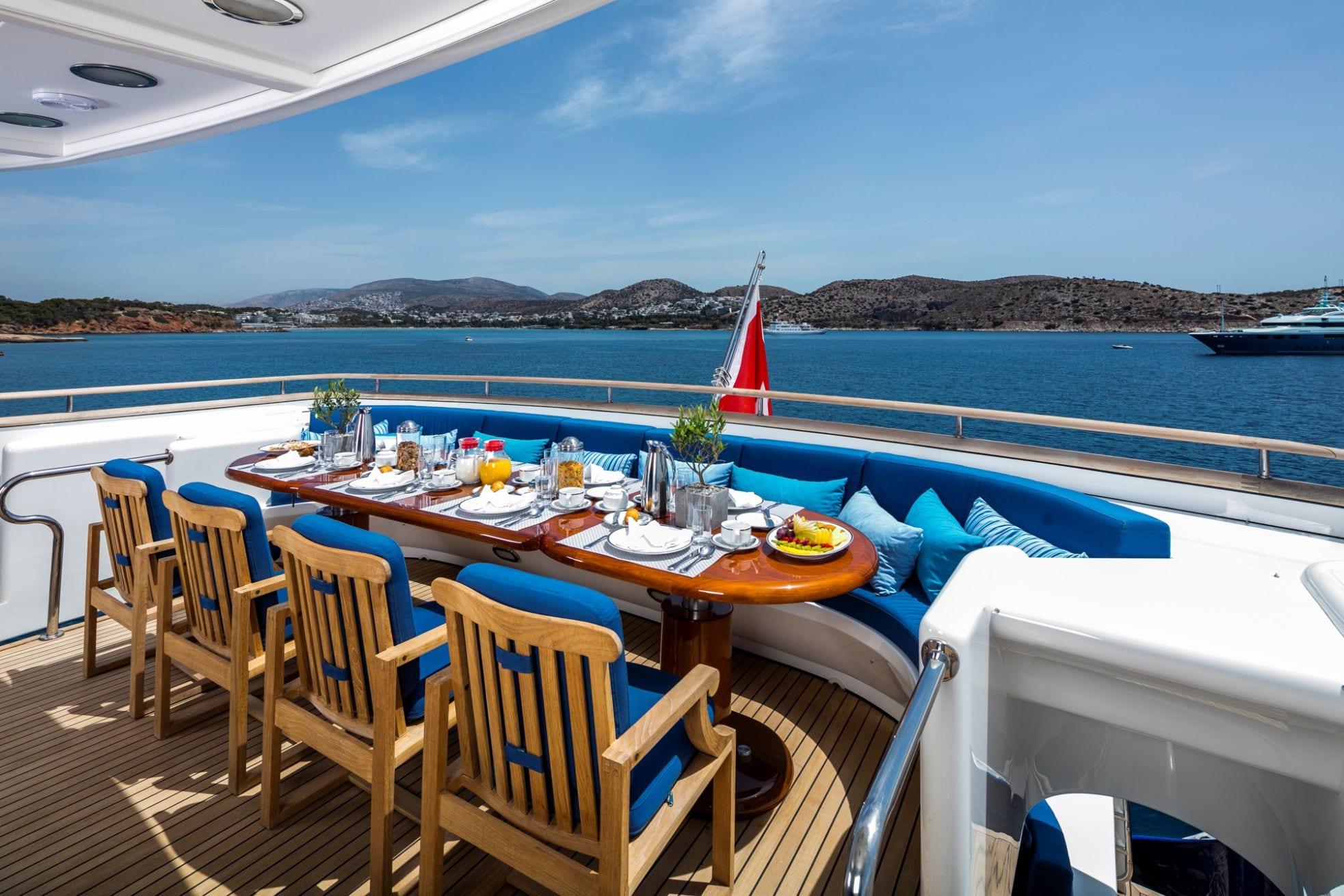 jaan aft dining1 (1)_valef -  Valef Yachts Chartering - 5682
