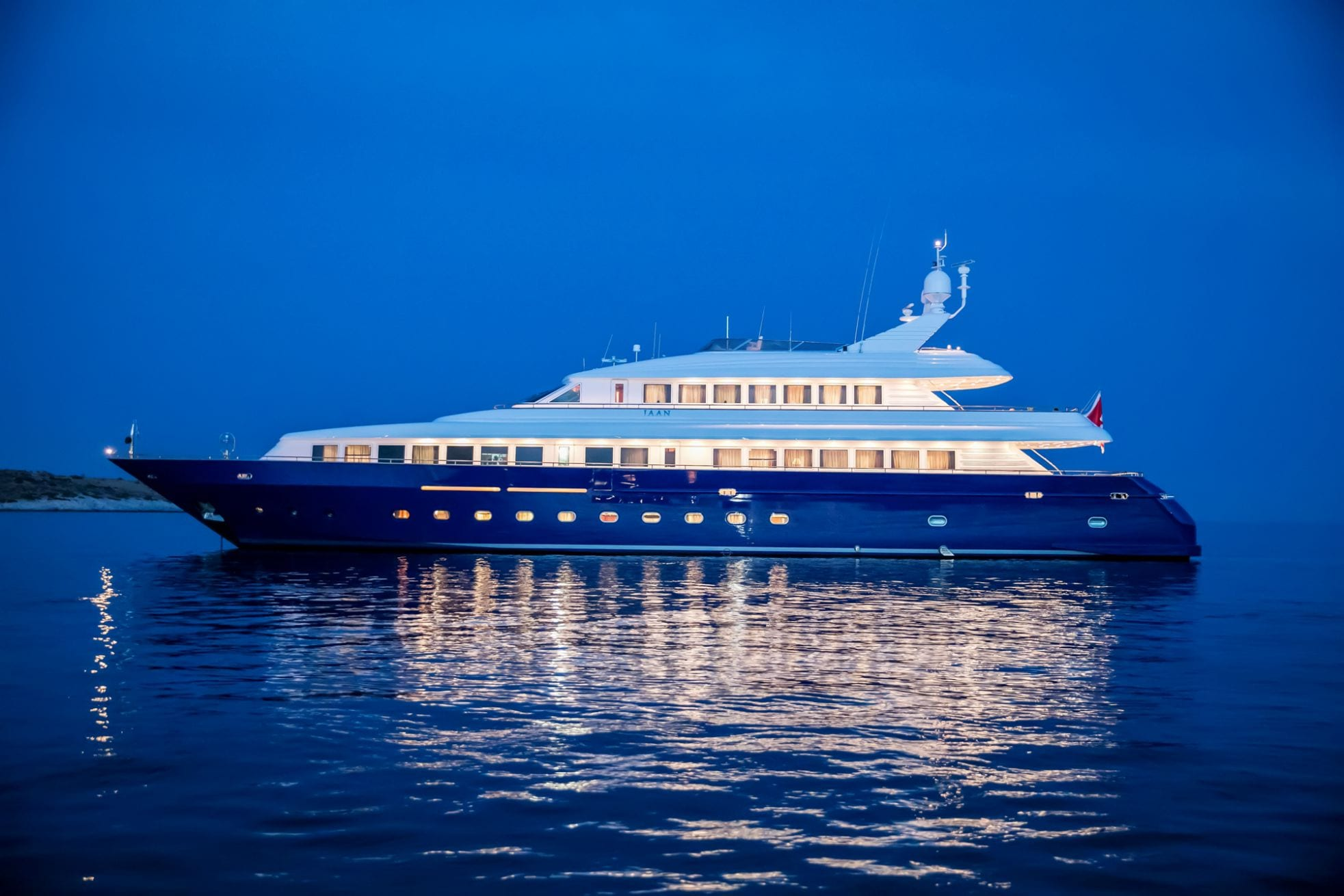jaan exteriors (2)_valef -  Valef Yachts Chartering - 5676