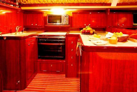 mythos sailing yacht interior (3)_valef -  Valef Yachts Chartering - 5420