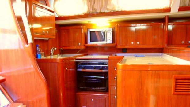 mythos sailing yacht interior (5)_valef -  Valef Yachts Chartering - 5418