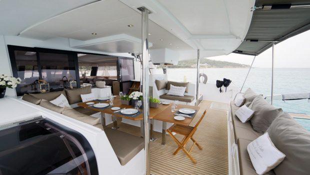 new horizons ii catamaran aft deck_valef -  Valef Yachts Chartering - 5402