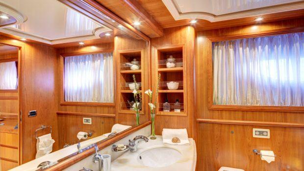 aimilia motor yacht bath_valef -  Valef Yachts Chartering - 5857