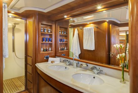 aimilia motor yacht master bath_valef -  Valef Yachts Chartering - 5856