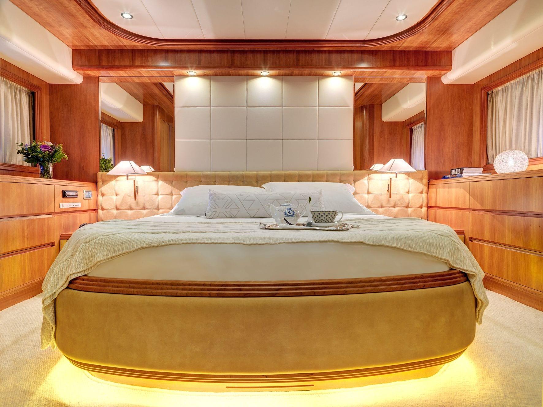 aimilia motor yacht vip stateroom_valef -  Valef Yachts Chartering - 5861