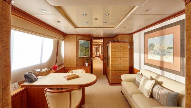 lady ellen ii master stateroom (3)_valef -  Valef Yachts Chartering - 5651
