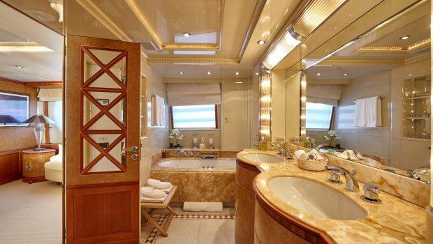 lady ellen ii master stateroom (5)_valef -  Valef Yachts Chartering - 5653