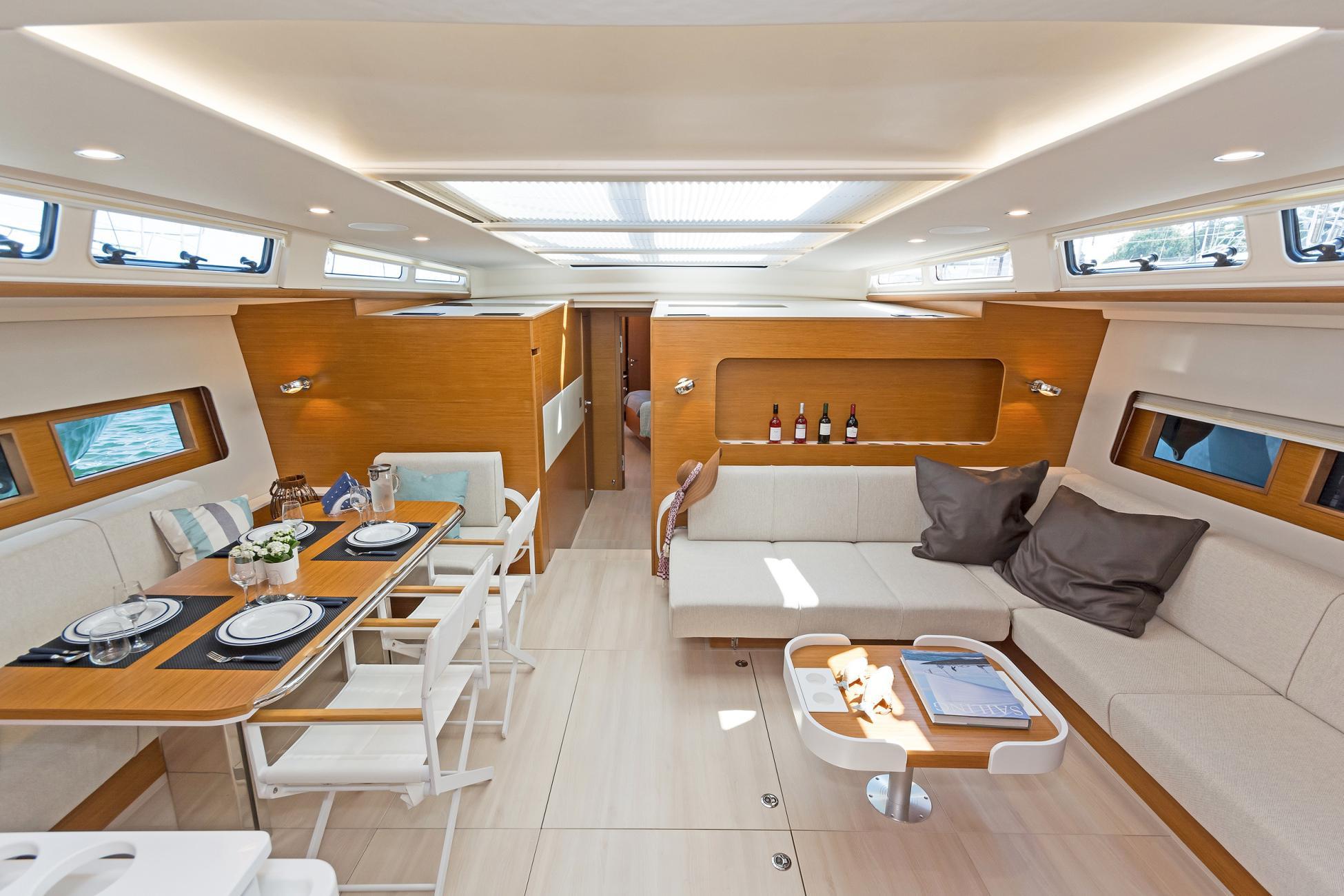 Nadamas salon (7) -  Valef Yachts Chartering - 6637