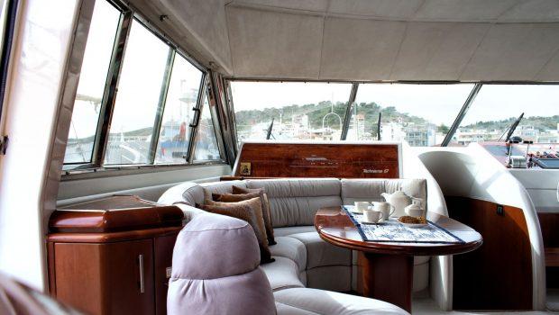 BLUE N WHITE Bridge salon (3) -  Valef Yachts Chartering - 6420