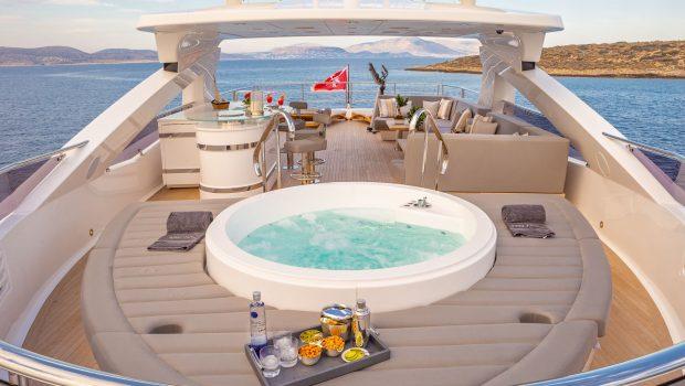 AQUA LIBRE Jacuzzi (2) -  Valef Yachts Chartering - 6478