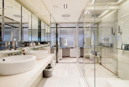 bliss master bath2 luxury charter yacht_valef -  Valef Yachts Chartering - 5737