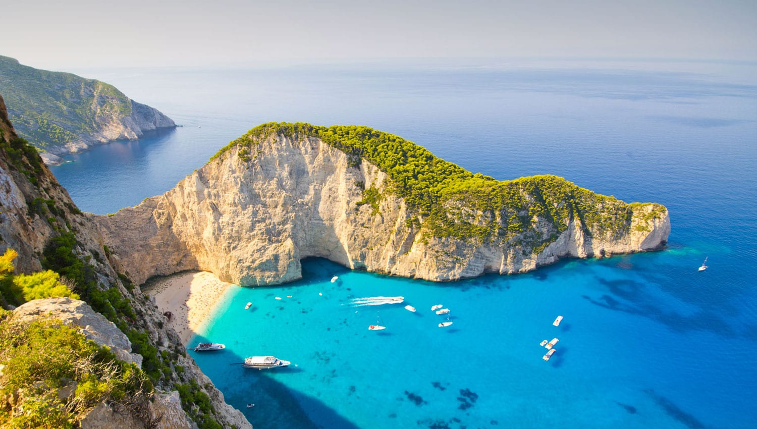 Discover Exquisite<br> Destinations and <br>Hidden Gems