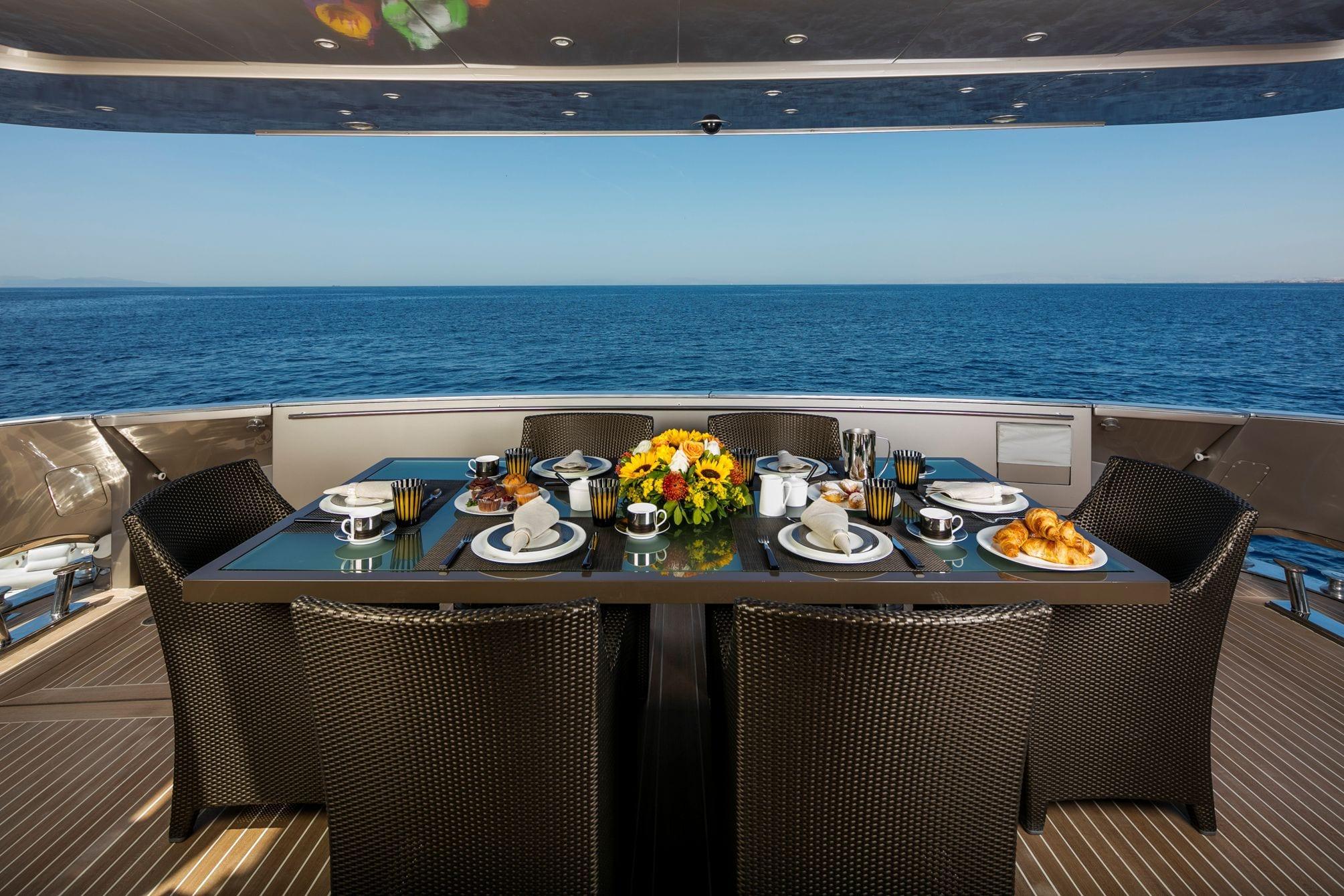 LUMAR aft -  Valef Yachts Chartering - 6397