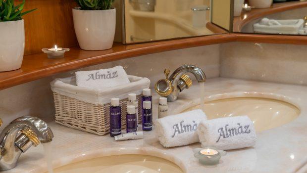 almaz bathroom -  Valef Yachts Chartering - 6130