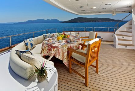 orion aft dining -  Valef Yachts Chartering - 6077