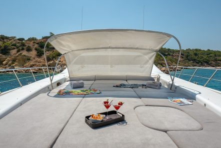 cosmos i yacht bow valef -  Valef Yachts Chartering - 5322