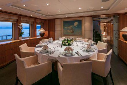 l_equinox dining (1)_valef -  Valef Yachts Chartering - 5508