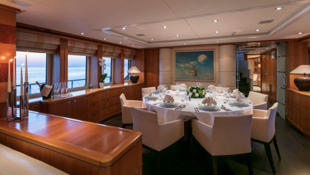 l_equinox dining (2)_valef -  Valef Yachts Chartering - 5507