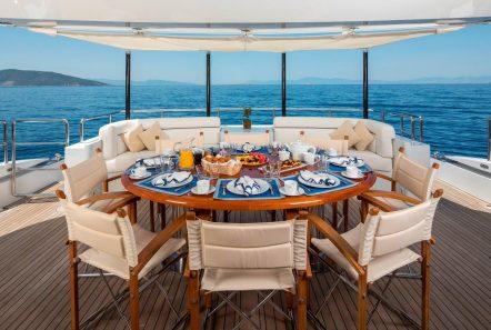 l_equinox exterior dining_valef -  Valef Yachts Chartering - 5504