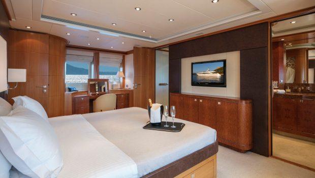 l_equinox master stateroom views (2)_valef -  Valef Yachts Chartering - 5495