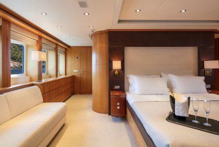l_equinox master stateroom_valef -  Valef Yachts Chartering - 5498