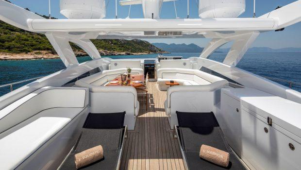 l_equinox sun deck jacuzzi (7)_valef -  Valef Yachts Chartering - 5481