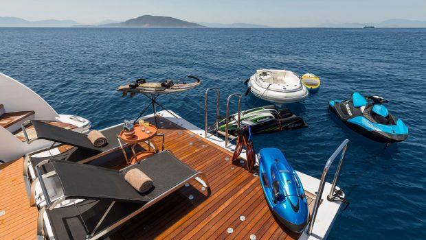 l_equinox swim lounge_valef -  Valef Yachts Chartering - 5476