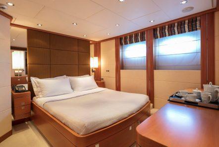 l_equinox vip stateroom (1)_valef -  Valef Yachts Chartering - 5474