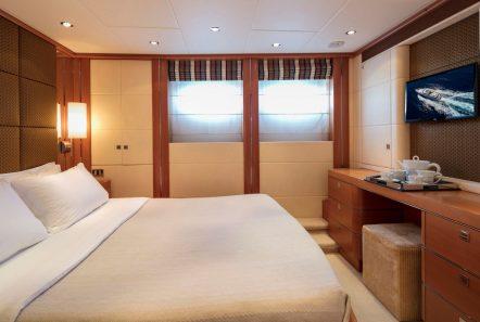 l_equinox vip stateroom (3)_valef -  Valef Yachts Chartering - 5472