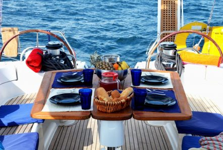 malena sailing yacht cockpit (2)_valef -  Valef Yachts Chartering - 5469