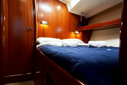 malena sailing yacht guest cabin (2)_valef -  Valef Yachts Chartering - 5456