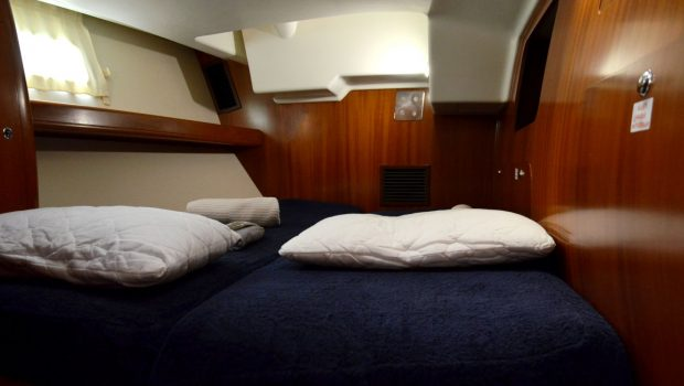 malena sailing yacht guest cabin (3)_valef -  Valef Yachts Chartering - 5455